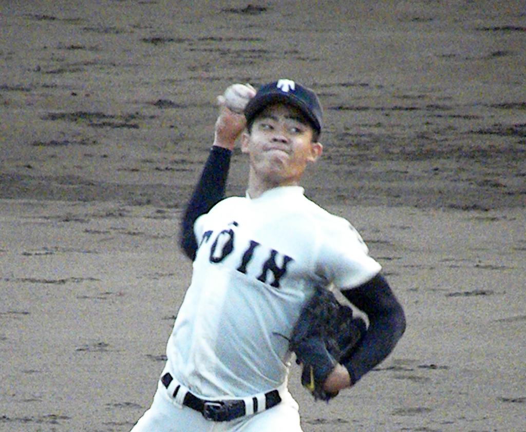7回から登板した大阪桐蔭・関戸(撮影・松本航)