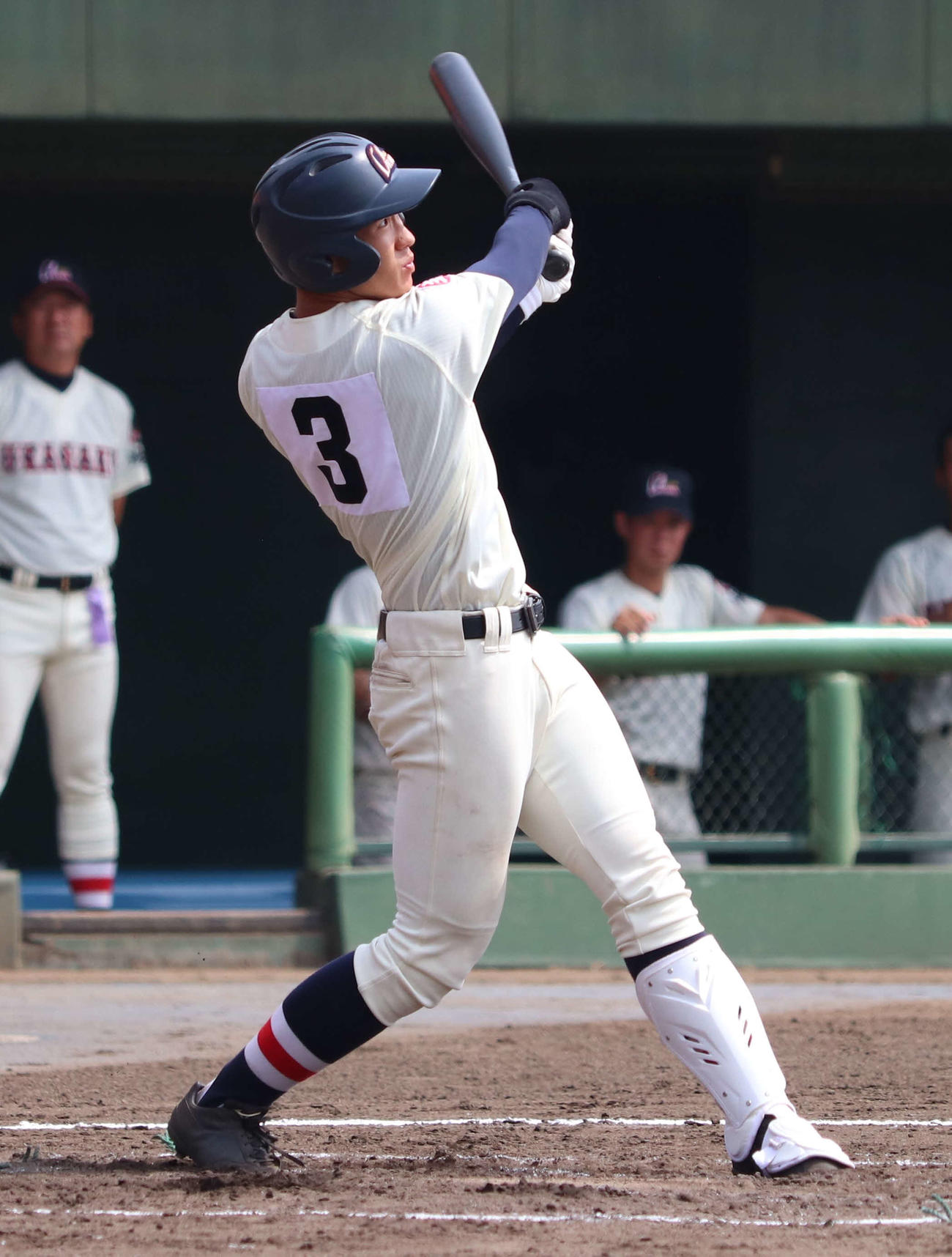 浦和工対浦和学院 2回裏1死一、二塁、中越打を放つ金丸(撮影・沢田直人)