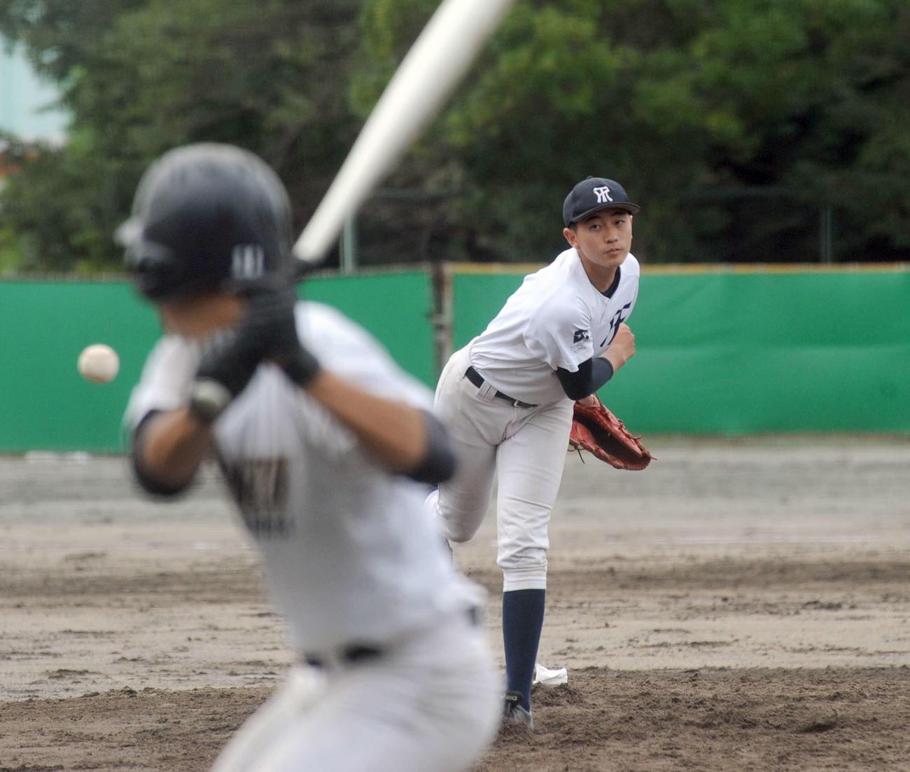 ダブルヘッダーの1戦目に先発し、9回7安打2失点で完投した常葉大菊川の安西