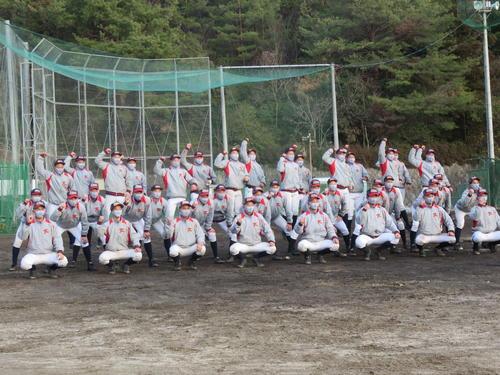甲子園初出場を喜ぶ京都国際ナイン