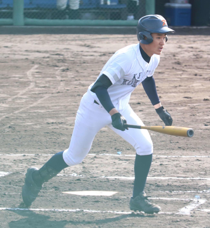 4番・DHでソロ本塁打を含む3打数3安打3打点を放った京都国際・森下