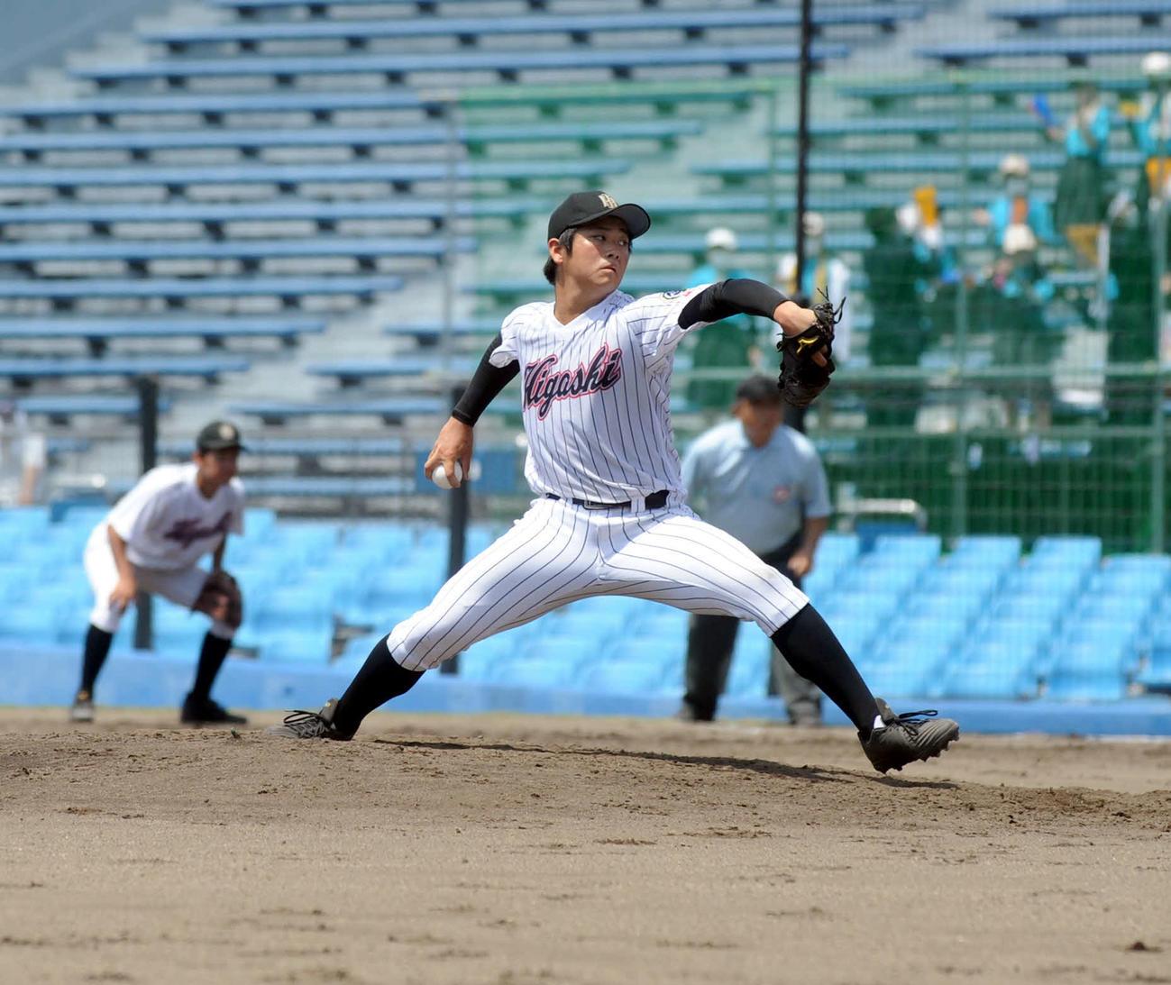 10安打を浴びたが、2失点完投を果たした磐田東・冨田
