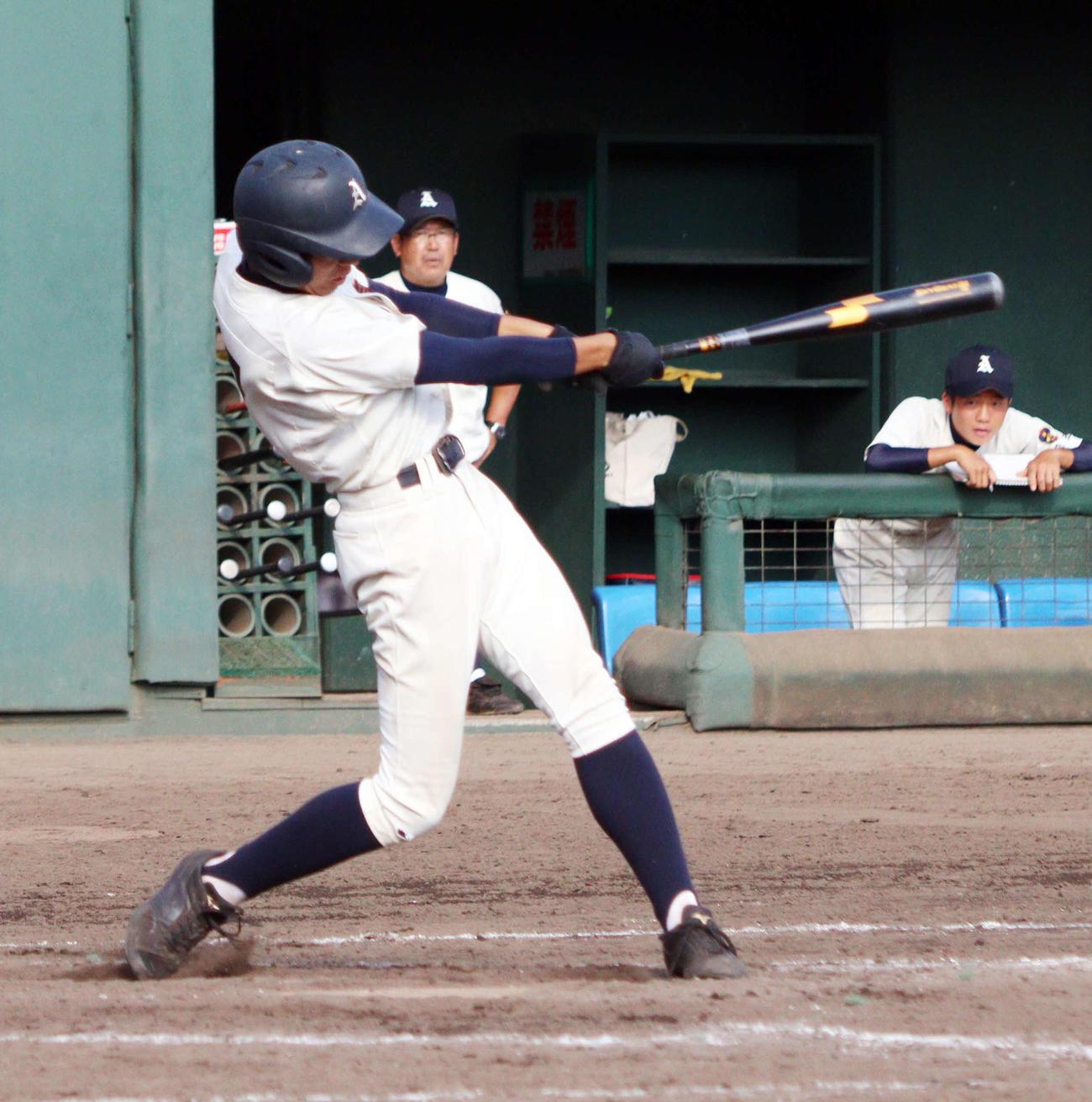 立教新座対上尾 10回裏上尾1死満塁、中前にサヨナラ打を放つ太田(撮影・関根直人)