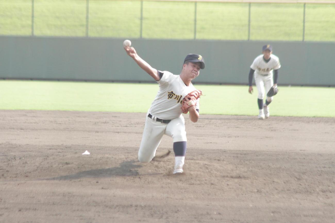 市川の天野将大内野手は4回途中からロングリリーフの力投で勝利に貢献した