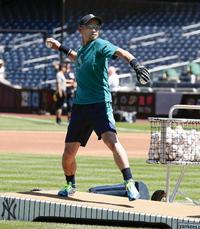 イチローが早出のフリー打撃で投手役務める - MLB : 日刊スポーツ