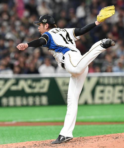 日本ハム対アスレチックス 日本ハム3番手で登板する加藤(撮影・山崎安昭)