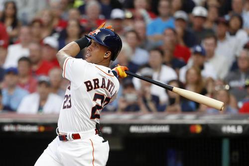 2回、適時二塁打を放つアストロズ・ブラントリー(AP)