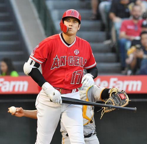 エンゼルス対パイレーツ 5回裏エンゼルス2死一塁、四球を選ぶエンゼルス大谷(撮影・菅敏)