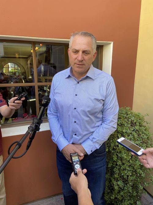 筒香の代理人を務めるジョエル・ウルフ氏は、報道陣に対応。ポスティングから移籍交渉への見通しを語る