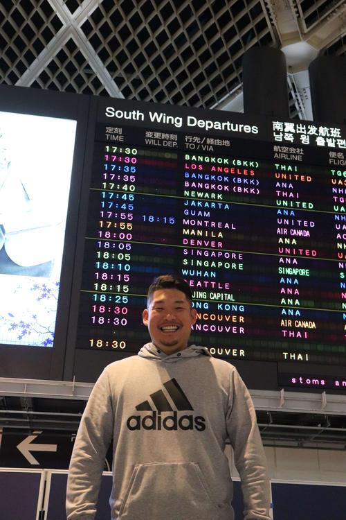 6日に成田空港から渡米した筒香