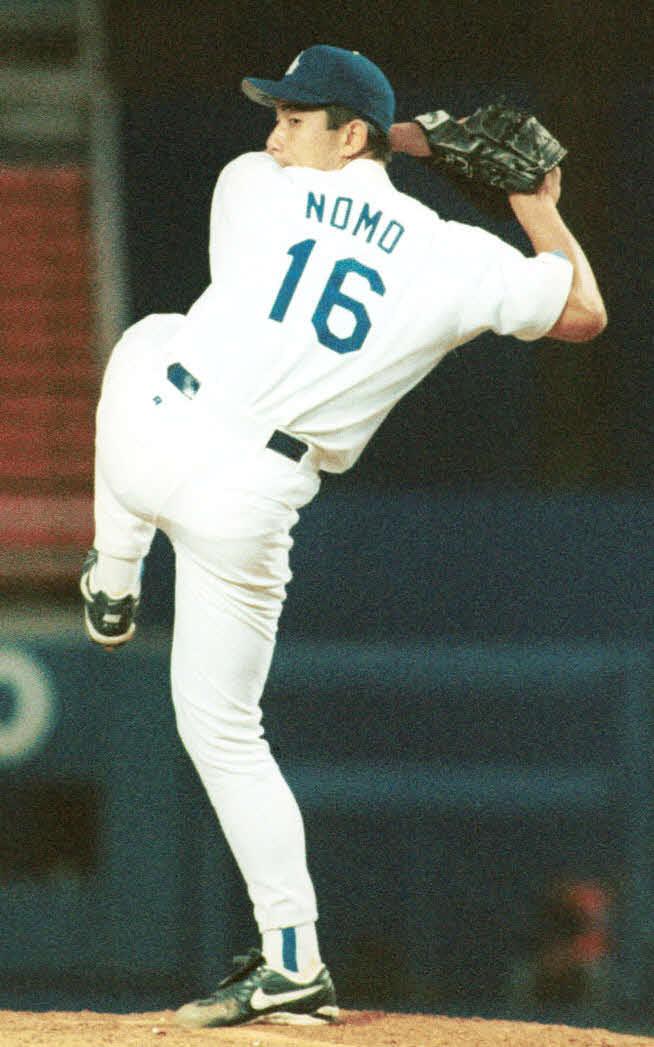 メッツ戦でメジャー初勝利を飾ったドジャース・野茂英雄の投球フォーム(1995年6月2日撮影)