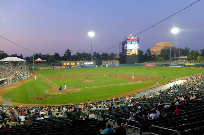 マイナーリーグの野球場(アスレチックス傘下3Aサクラメント=13年5月撮影)