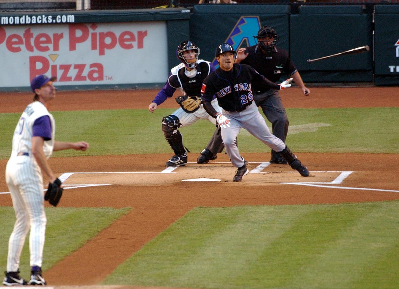 04年5月12日、1回表にメッツ松井稼頭央に先頭打者本塁打を浴びるダイヤモンドバックスのランディ・ジョンソン