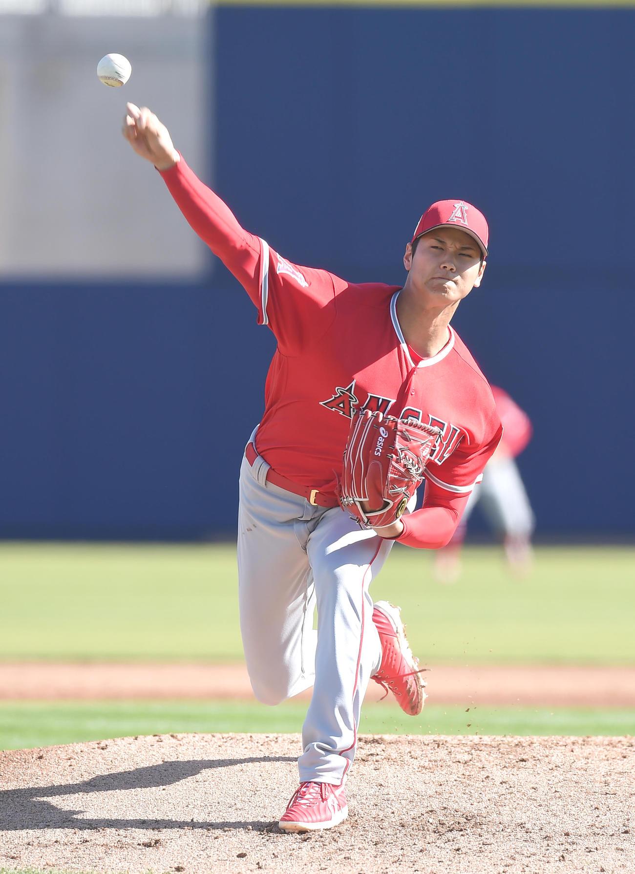 エンゼルス大谷翔平投手(18年3月2日、撮影・菅敏)