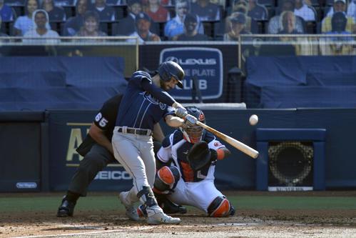 3回、同点のソロ本塁打を放つレイズ・ロー(ロイター)