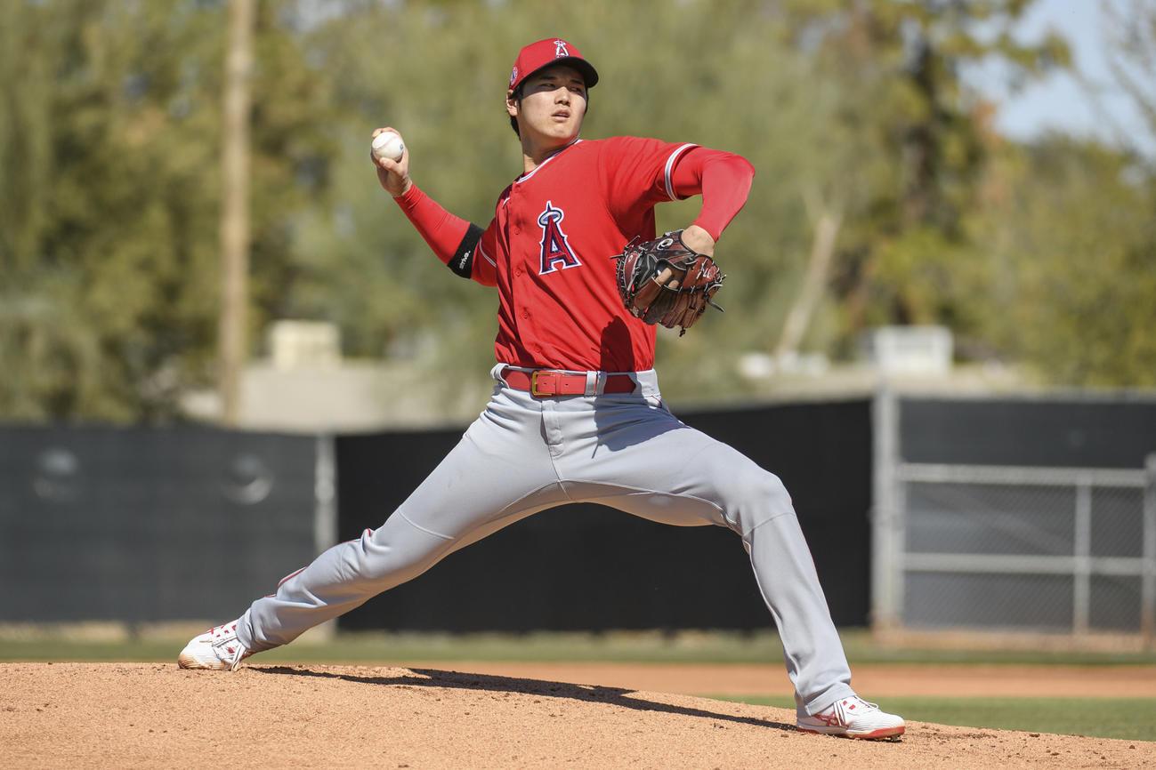 今キャンプで初めて、打者を相手に投球練習を行うエンゼルス大谷(Angels Baseball)