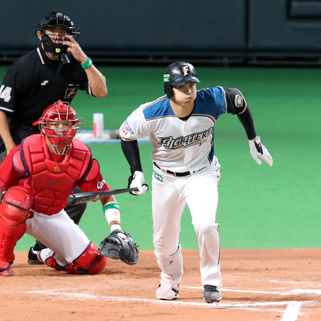 16年日本シリーズ第3戦 日本ハム対広島 サヨナラ打を放つ日本ハム大谷翔平