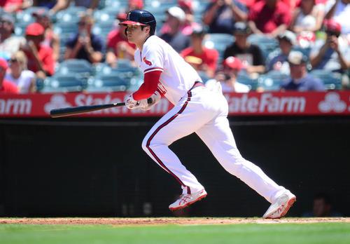 アスレチックス戦の3回、先制適時二塁打を放った大谷(ロイター)