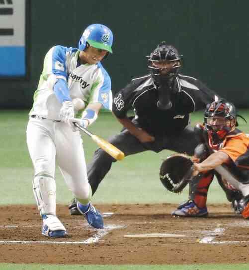 2回裏セガサミー2死、喜多に続き、本間が2者連続となる本塁打を放つ(共同)