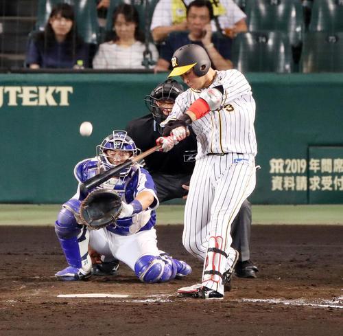 4回裏阪神無死、左中間へソロ本塁打を放つ大山(撮影・前田充)