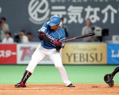 4回裏日本ハム1死満塁、清宮は四球選び、押し出しで同点に追いつく(撮影・佐藤翔太)