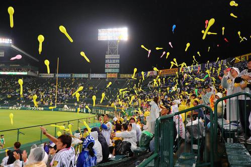 https://www.nikkansports.com/baseball/news/img/201810100000753-w500_0.jpg