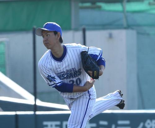 トライアウトで打者3人に投げた須田幸太は無安打と好投(撮影・梅根麻紀)