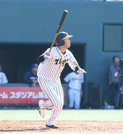 トライアウトで横山から二塁打を放つ西田(撮影・梅根麻紀)