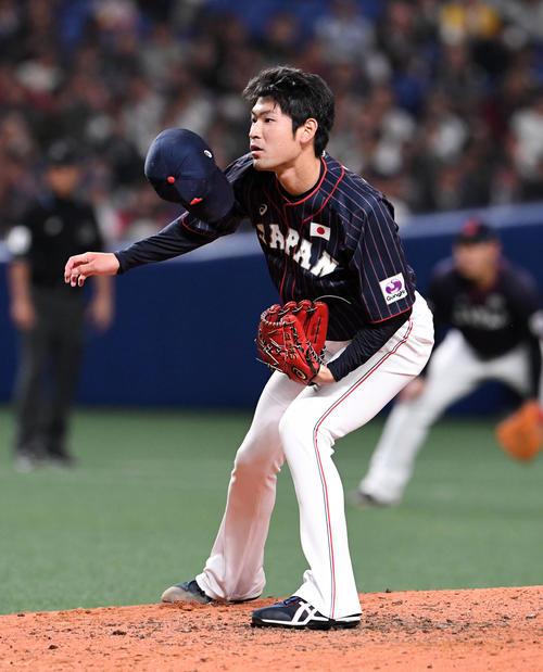 MLB対日本 日本3番手の佐藤(撮影・前岡正明)