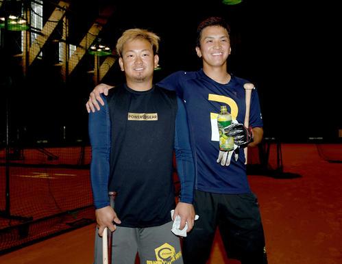 休みを返上して練習した西武森(左)と山田(撮影・たえ見朱実)
