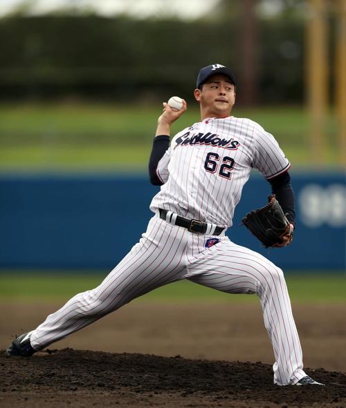 練習試合ヤクルト対KIA ヤクルト3番手で登板する田川(撮影・狩俣裕三)