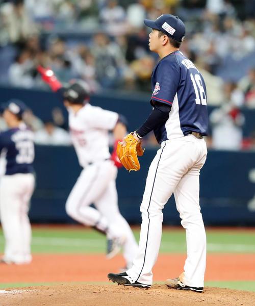 オリックス対西武 5回裏オリックス2死三塁、多和田はメネセスに右翼越え2点本塁打を被弾(撮影・加藤哉)