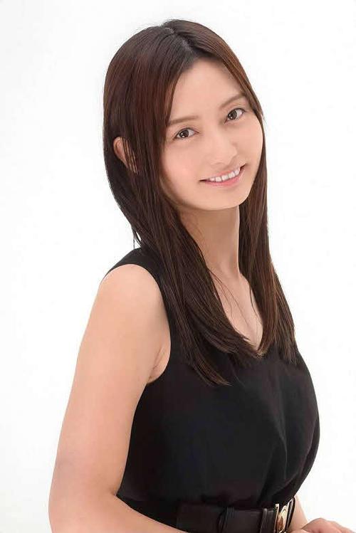 アシスタントを務める日本野球連盟公認、社会人野球サポーターの田中優美さん