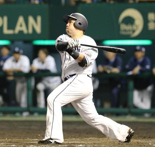 7回裏1死一、二塁、山川穂高は左越えに3点本塁打を放つ(撮影・梅根麻紀)