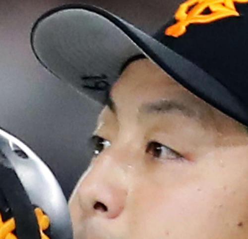 巨人沢村0封「雑草魂」継承、帽子の裏には「19」