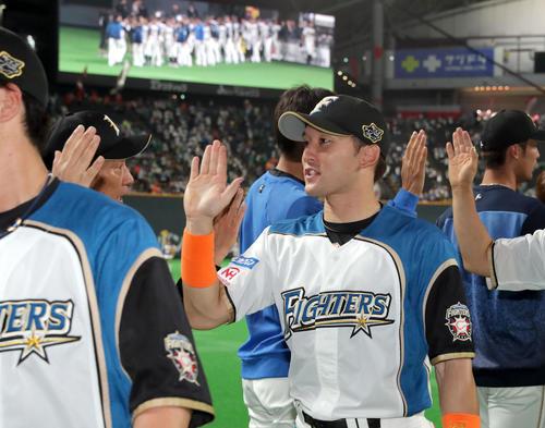 栗山監督、杉谷の両打席本塁打は「見てなかった」