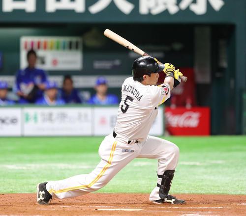 ソフトバンク対DeNA 7回裏ソフトバンク2死、松田宣浩は左越え本塁打を放つ(撮影・梅根麻紀)