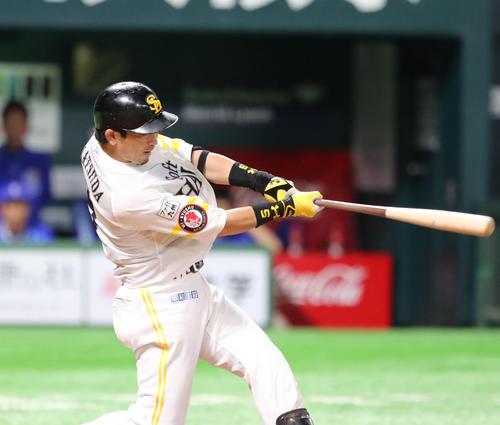 ソフトバンク対DeNA 5回裏ソフトバンク2死、松田宣浩は左越えに同点本塁打を放つ(撮影・梅根麻紀)