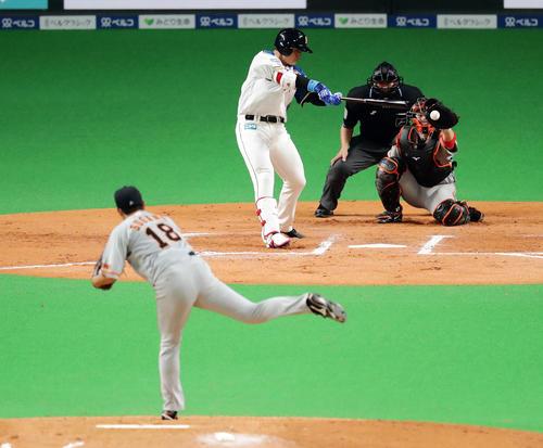 日本ハム対巨人 7回裏日本ハム無死、代打清宮は空振り三振に倒れる。投手菅野(撮影・浅見桂子)