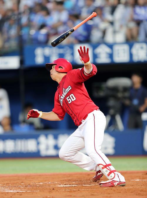 DeNA対広島 3回表広島無死、高橋大は左越え本塁打を放つ(撮影・鈴木正人)