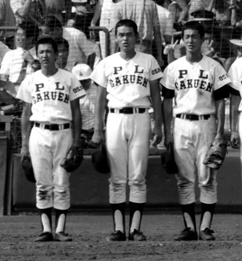 第69回全国高校野球選手権・決勝 PL学園対常総学院 優勝したPL学園の立浪和義(左)と片岡篤史(右)(87年8月21日撮影)