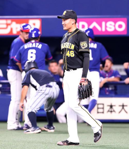 中日対阪神 1回裏中日1死二、三塁、秋山はビシエドに中前適時打を打たれ失点する(撮影・加藤哉)