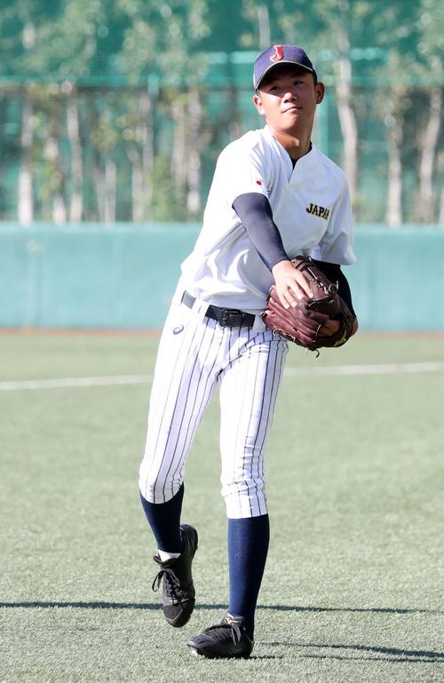 U18高校日本代表で練習する星稜・奥川恭伸(2018年8月25日)