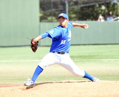 日本製紙石巻対七十七銀行 七十七銀行・田辺樹大投手が11回表日本製紙石巻1死一、三塁で登板した