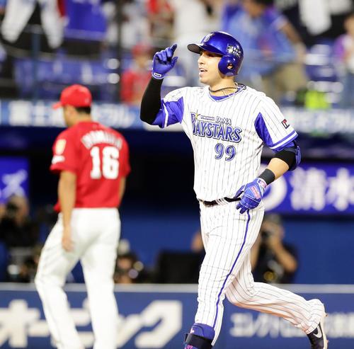DeNA対広島 11回裏DeNA無死一、二塁、ソトはサヨナラ3点本塁打を放つ(撮影・浅見桂子)