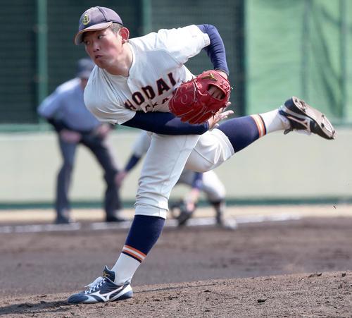 阪神を相手に5回無失点と好投した大商大・大西広樹(2019年3月15日)
