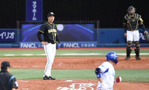 DeNA対阪神 3回裏DeNA無死、筒香に左越えソロ本塁打を浴びる青柳(撮影・鈴木みどり)