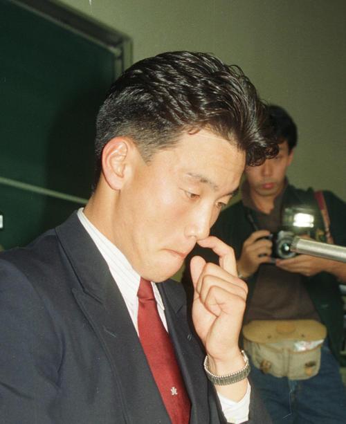 90年11月24日、亜大・小池秀郎はロッテに指名され、「あれだけ断ったのにどうして指名したのか」と涙が止まらなかった