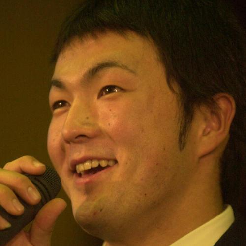 ドラフト後、行われた会見で時折、笑顔を見せるダイエー1巡目指名の寺原隼人(2001年11月19日撮影)