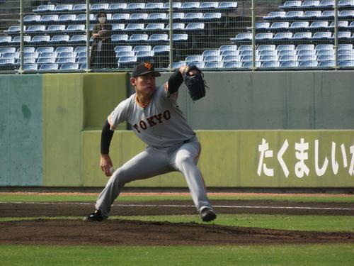 フェニックスリーグ阪神戦で先発し、5回2失点の巨人桜井(撮影・桑原幹久)
